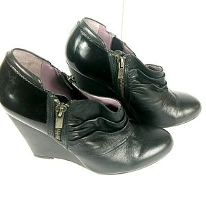 Charles David Wedge Black Leather Boots Booties 8